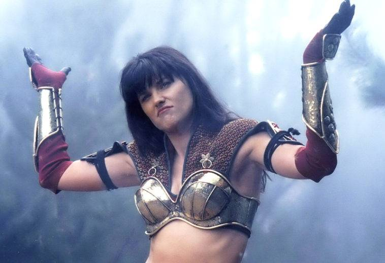 Lucy Lawless sesso lesbico