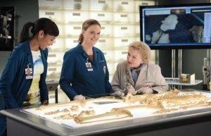 Bones: Betty White torna nell'ultima stagione come guest star!