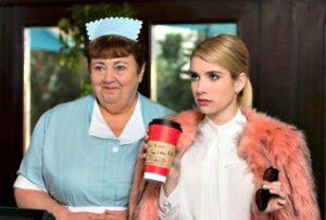 Pumpkin Spice Latte: ricetta e curiosità del cappuccino alla zucca più famoso di Scream Queens