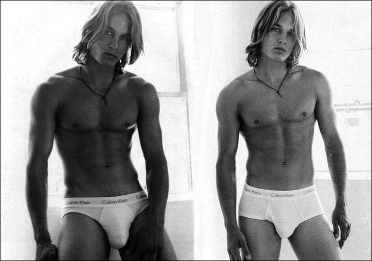 Travis nell'iconica pubblicità di Calvin Klein