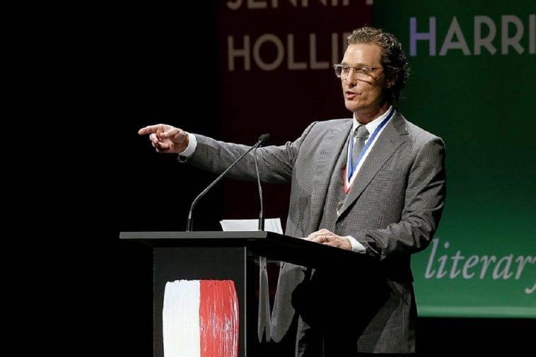 Matthew McConaughey da 110 e lode: è diventato professore all'università del Texas